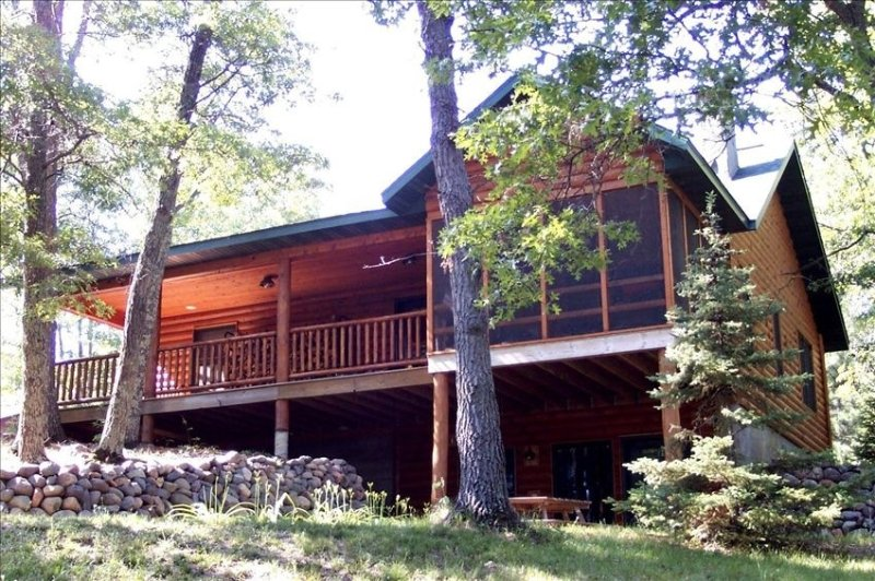 Luxury Lakefront Retreat on a Quiet Lake, vacation rental in Shell Lake