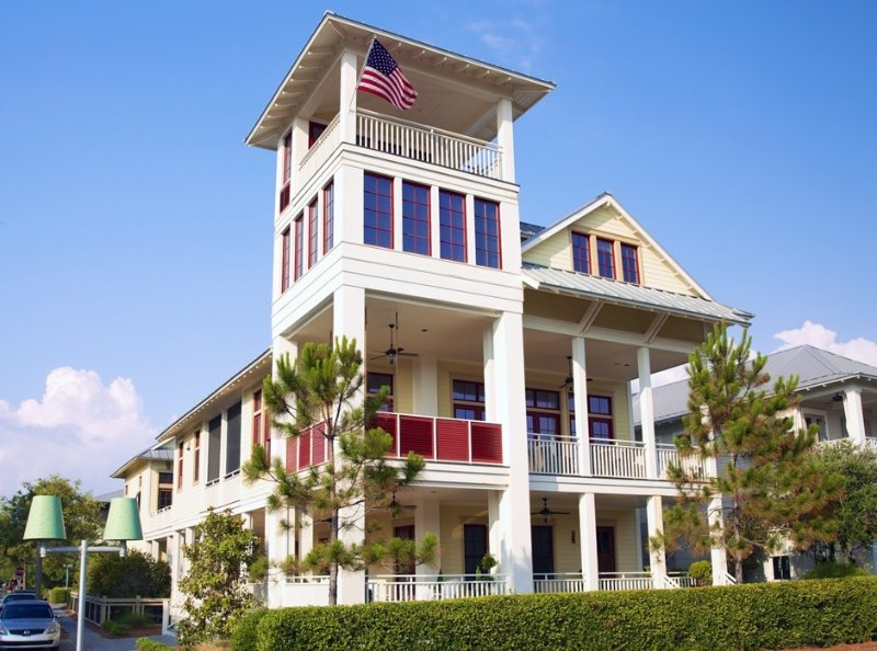 Exclusive Beach District, your 'HAPPY PLACE!' Biggest outdoor living - 9 porches – semesterbostad i Santa Rosa Beach
