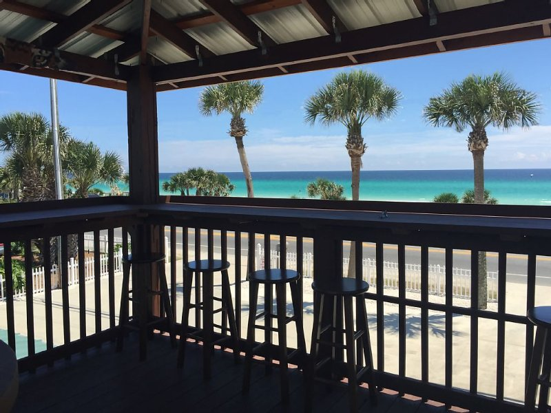 BEAUTIFUL HOME WITH GORGEOUS GULF VIEWS!  LOOKOUT TOWER & PRIVATE BEACH ACCESS!, holiday rental in Panama City Beach