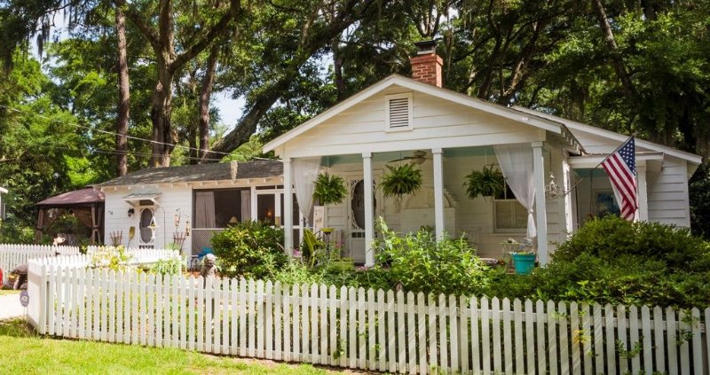 Cottage/Tiny House Living Accommodation in Beaufort for Cost-conscious Traveler, location de vacances à Lady's Island