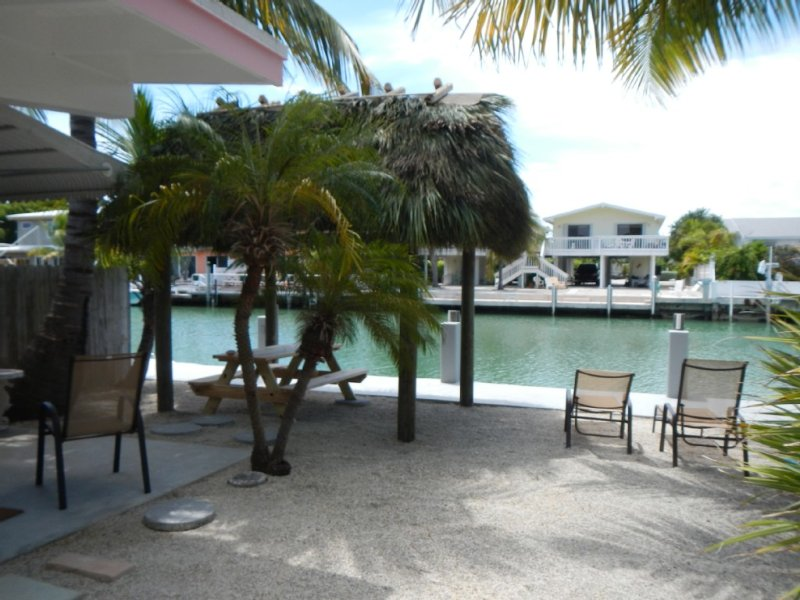 Tropical Retreat ! Completely refurbished ! All Rentals SAT. - SAT. only, holiday rental in Key Colony Beach