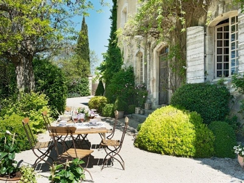 Perfect 18th Century Luxury Country House with every modern amenity and pool, holiday rental in Buoux
