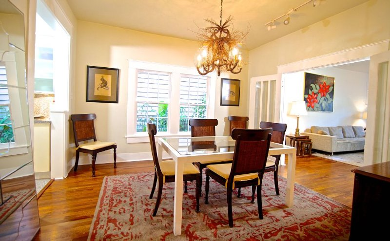 Refuge in Heart of Montrose, vacation rental in Houston