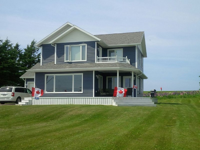 Spectacular Vacation Home With Breathtaking Views... Minutes From Cavendish., vacation rental in Hunter River