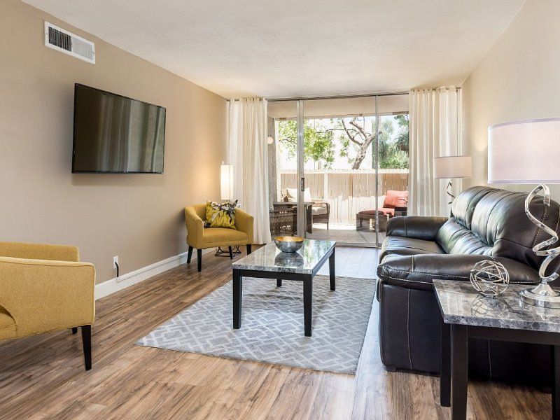 The Location And Condo You'll Want To Stay At When Visiting Old Town Scottsdale!, holiday rental in Scottsdale