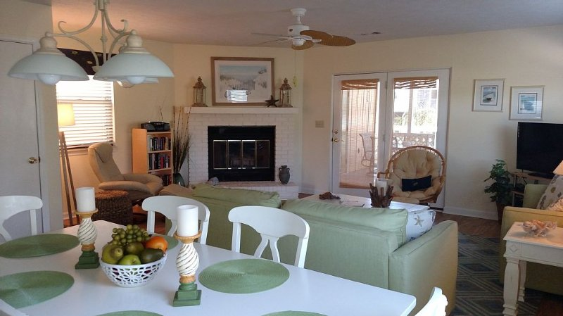 Beautiful, Spacious Home with Gulf Views!  Perfect for families!, alquiler de vacaciones en Port Saint Joe