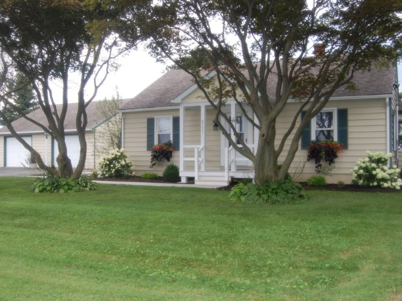 White Oak Cottage,'Family-Friendly', just outside of Strasburg. Free Wi-Fi, vacation rental in Lancaster County