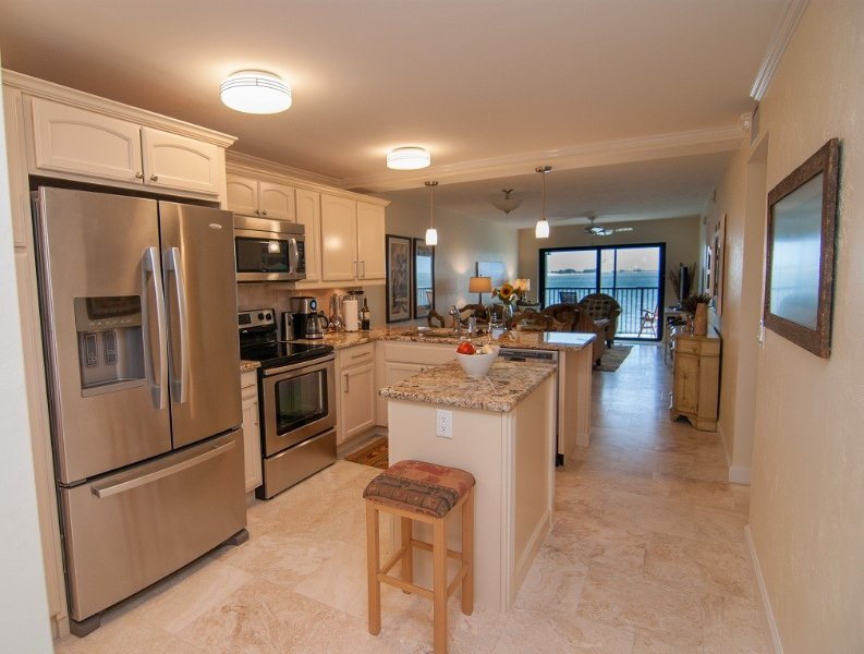 Renovated Waterfront Condo, Wifi, HDTV, Pool, Tennis, Fishing Pier, vacation rental in Sanibel Island