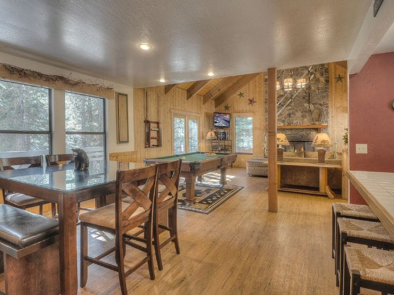 Open floor plan. Dining next to kitchen and looks into great room