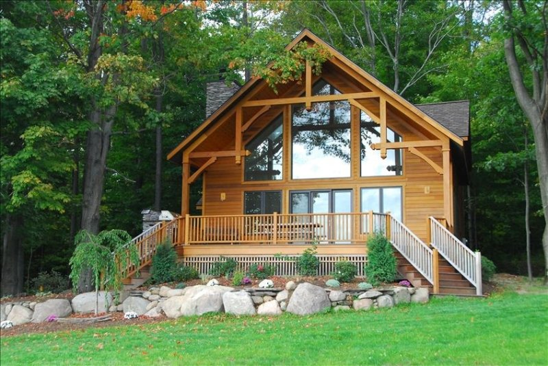 Chalet on 250 acres, Private, 1 Mi from Chautauqua Institution / Lake, vacation rental in Chautauqua County