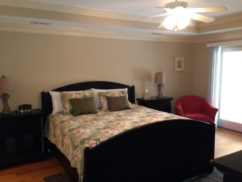 Brass Rail 119; Upgraded WiFi, 2 Pools, Hot Tub,short Walk To Beach And Pier, vacation rental in Tybee Island