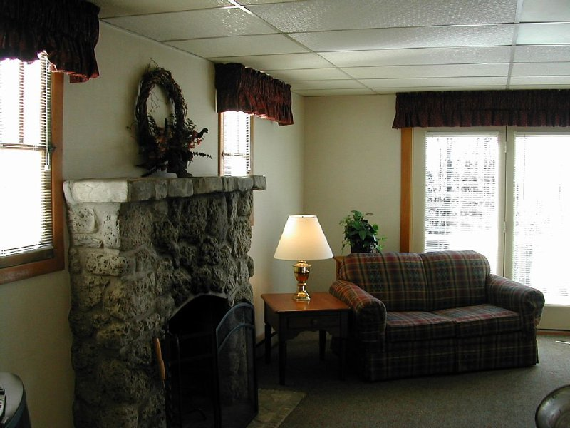 One Bedroom Cottage Near Central Egg Harbor, holiday rental in Door County