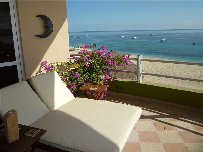 Custom Ocean Front Presidential Villa on the Sea of Cortez, aluguéis de temporada em Los Barriles