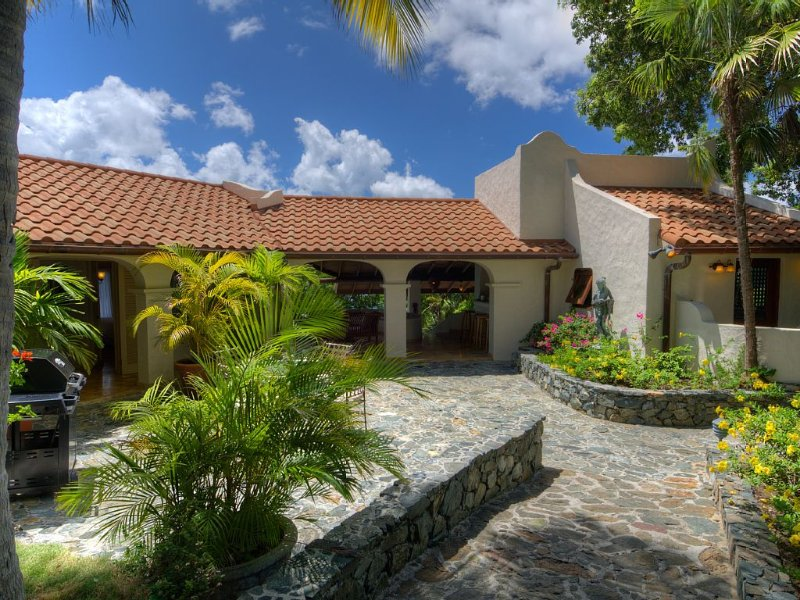 4BD,Luxurious Ocean Front Mediterranean Style Vil, holiday rental in British Virgin Islands