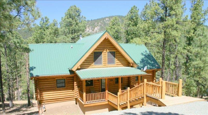 4 Bears Cabin - Beautiful Log Home in Ruidoso, New Mexico, alquiler vacacional en Nogal