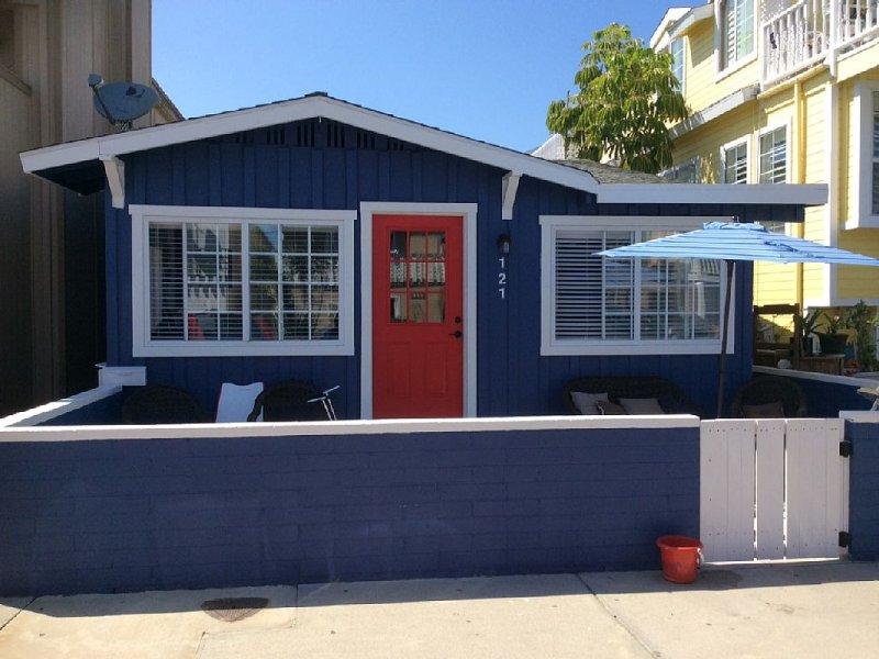 BEACH COTTAGE, SURF & SAND, BEST BEACH!, location de vacances à Newport Beach