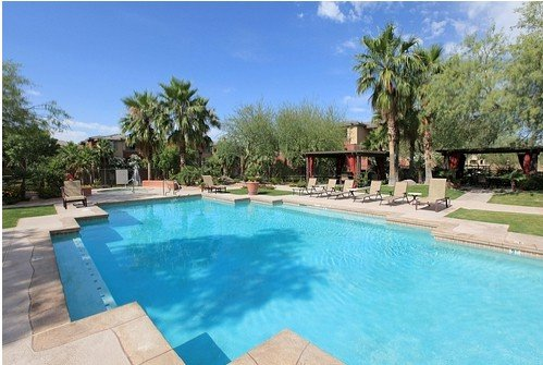 WOW! June-Oct FURNISHED inclds ELEC/INTERNET$1,200 mo fitness center 2 pools, vacation rental in Phoenix