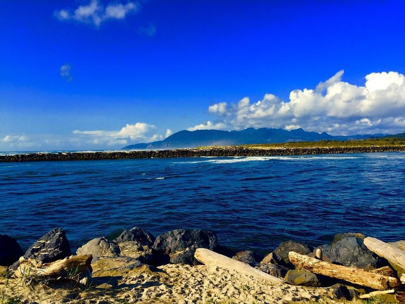 Nehalem River enters the Pacific Ocean (short walk north)