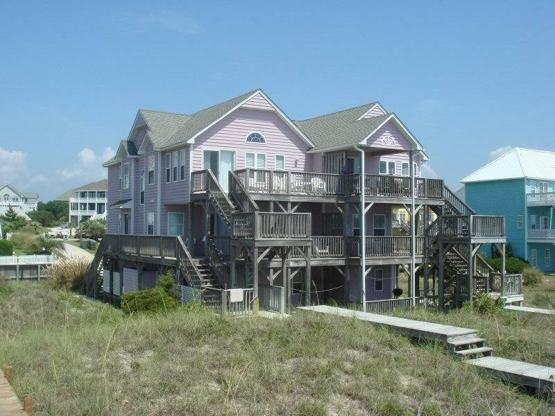 7 BR(18 CAP)4 BA OCEANFRONT/POOL 150' AWAY/PARKING/ALL AMENITIES/TVs IN 6BRMs, holiday rental in Cedar Point