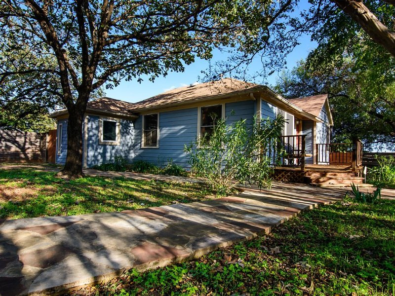 Ask about discounts for longer stays at this Fantastic 3/2  home in Zilker Park, alquiler de vacaciones en Austin
