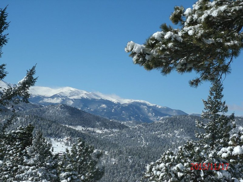 Breathtaking Mountaintop Views, From Your Windows And private Deck At 8300 ft., vacation rental in Evergreen