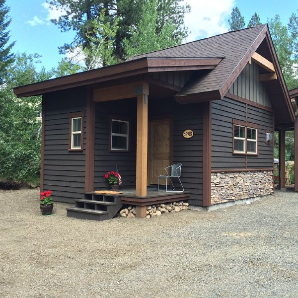 Secluded Cabin Near Downtown McCall, Idaho, holiday rental in McCall
