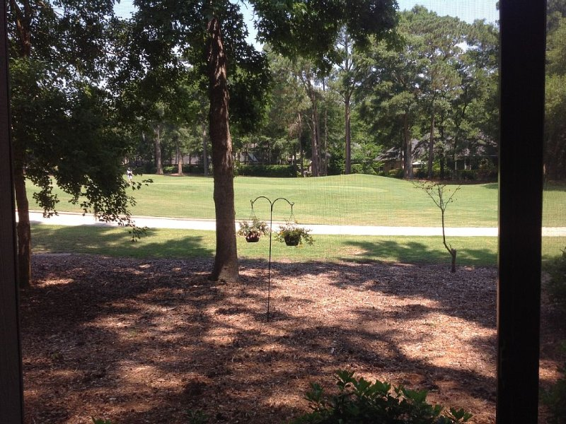 Pawleys Plantation: Gated, Cozy 1st Floor Condo On 11th Green: Golf/Pool/Beach., alquiler de vacaciones en Pawleys Island