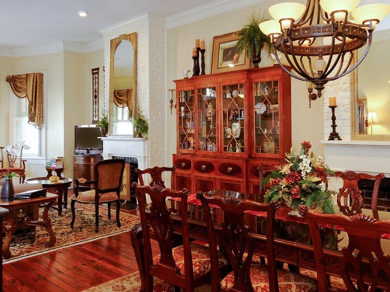 Elegantly Appointed Home in Landmark Historic Dist.-VRBO Premier Partner, vacation rental in Savannah