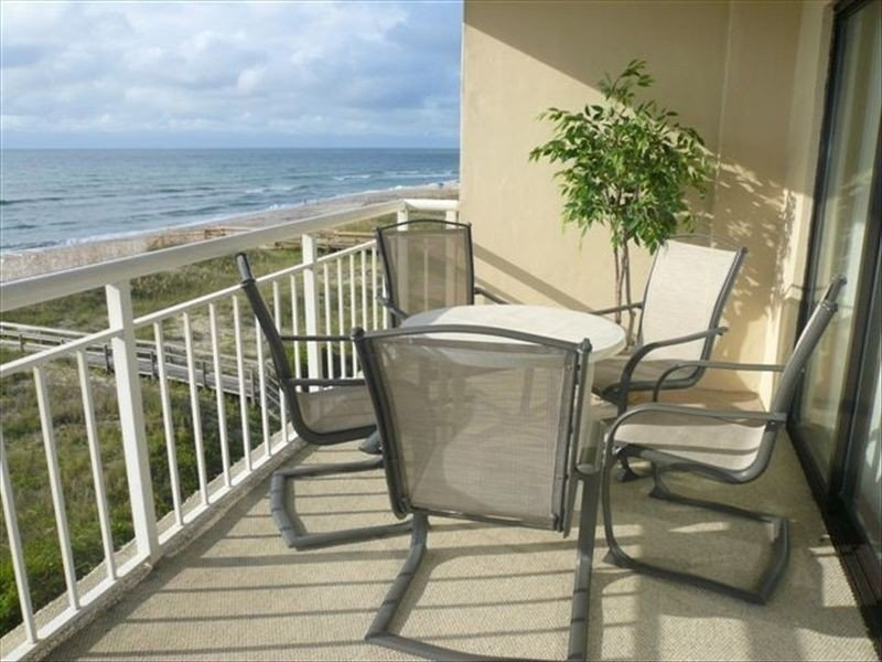 Wow! Oceanfront condo- Walkable Location- Read our Reviews!, Ferienwohnung in Carolina Beach