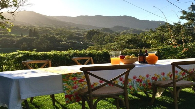 Views, Style, space....Why go Italy?, holiday rental in Topanga
