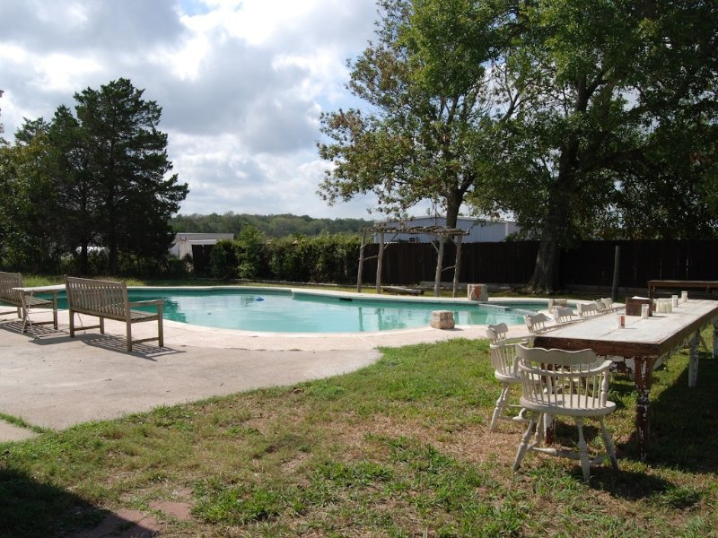Bo Buff Bradley- 4 Bedroom, 3.5 bath House With Pool, aluguéis de temporada em Round Top