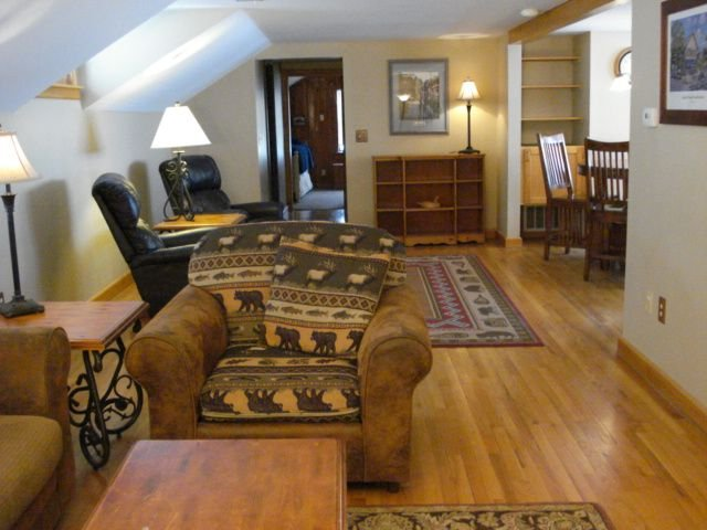 Great Location Next to Fishtown in Leland Harbor House, vakantiewoning in Leelanau County