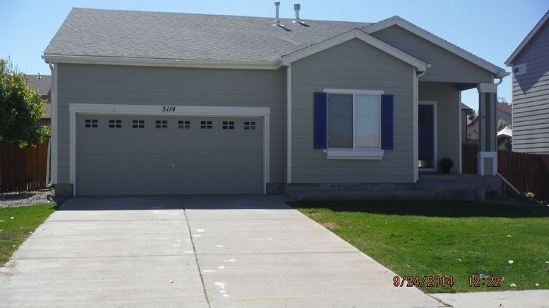 Cozy, Comfortable Perfect for Family, Lady's Retreat, or Business Rental !, holiday rental in Pueblo West