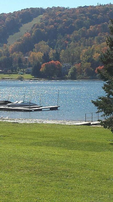 Community Lake Front Park