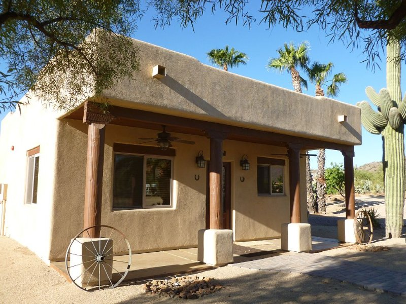 Adorable Western Casita on 5 acres, holiday rental in New River