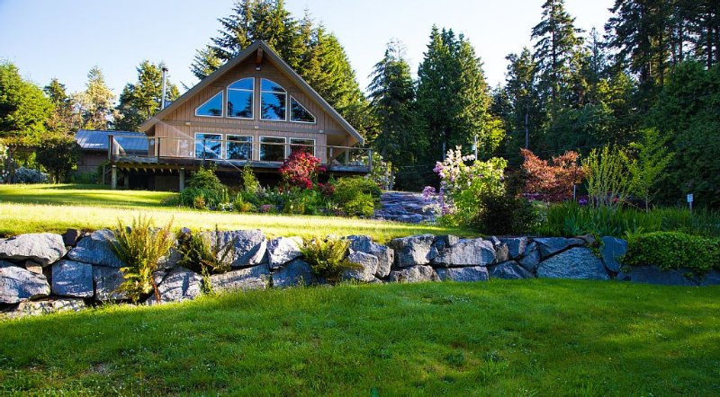 The Annex- Family Fun on Sargeant Bay, alquiler de vacaciones en Sechelt