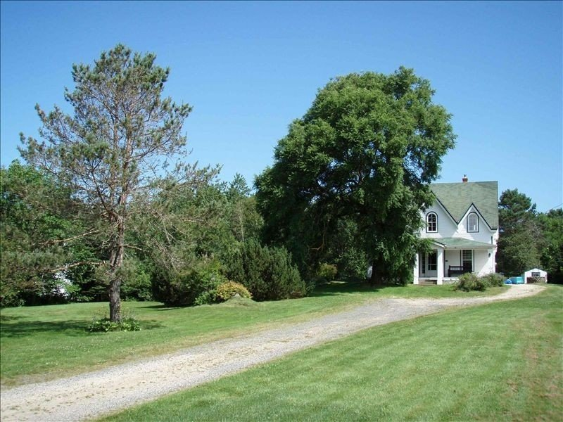 Stoneybrook House -- Historic Property on 1.7 Acres of Land, vakantiewoning in Chester