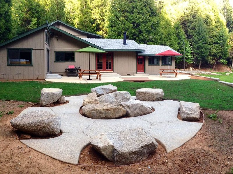 Georgetown CA PRIVATE Oasis adjacent to Rock Creek OHV, Rubicon Trail, etc., holiday rental in Pollock Pines