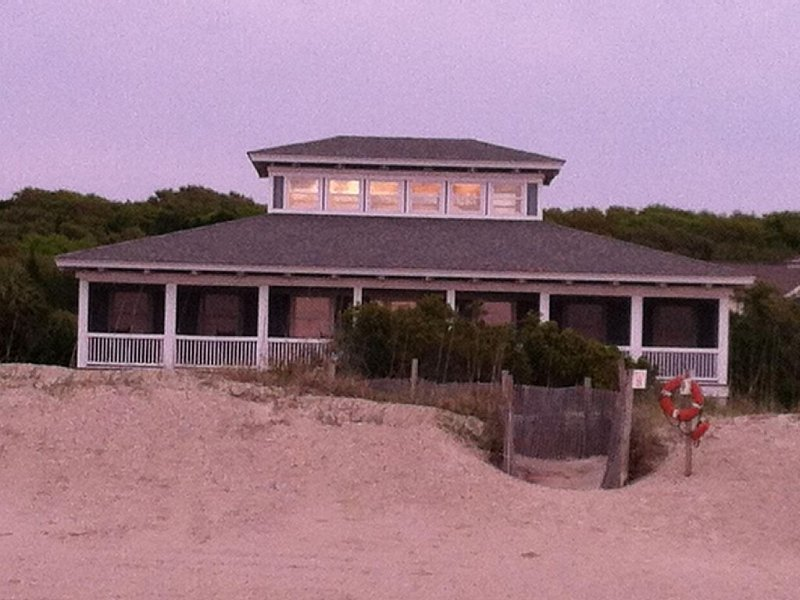Oceanfront Timber-Frame Home, location de vacances à Bald Head Island