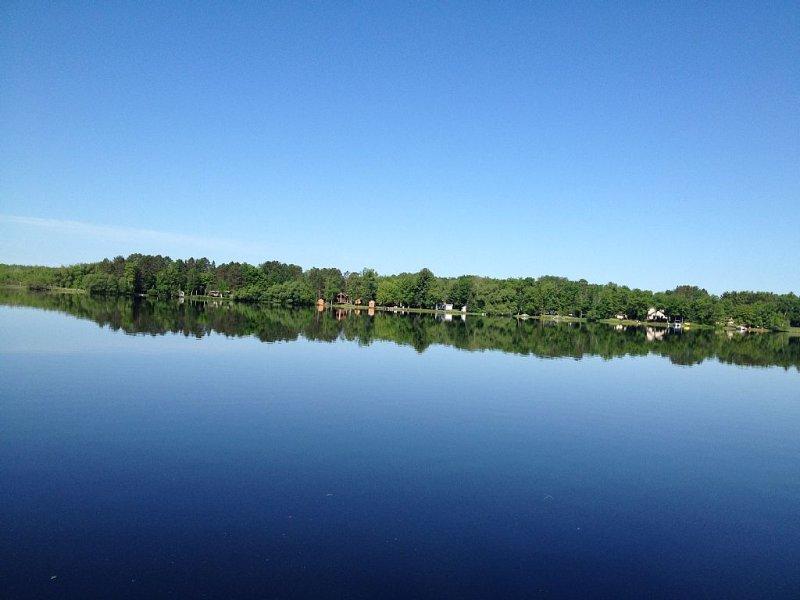 Relax In Northern Wisconsin., alquiler de vacaciones en Barnes