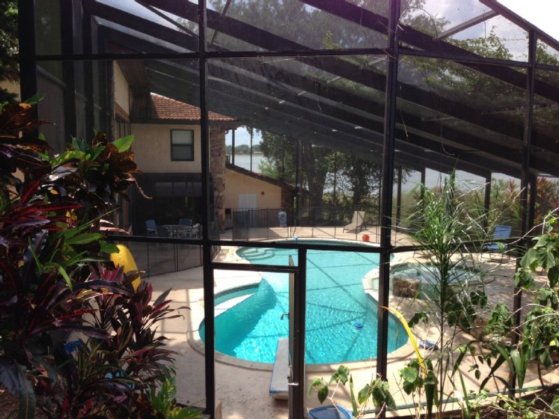 Lake Home with 4 Bed/4 Bath & Pool with Diving Board, holiday rental in Auburndale
