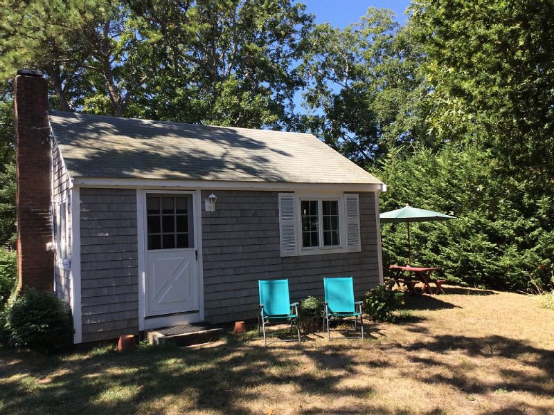 Brewster, MA Beach Cottage with 1/2 Mile of Private Beach for your Enjoyment., vacation rental in Brewster