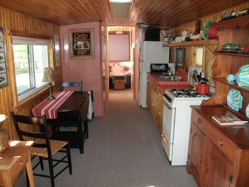 Cozy, Quiet , getaway for Single or Couple, casa vacanza a Big Bay