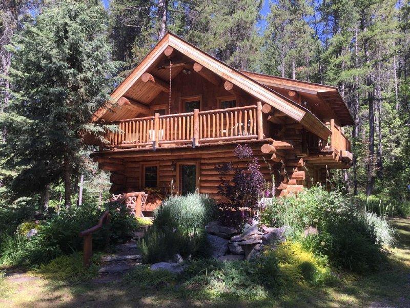 Log Home Near Glacier National Park, alquiler de vacaciones en Columbia Falls