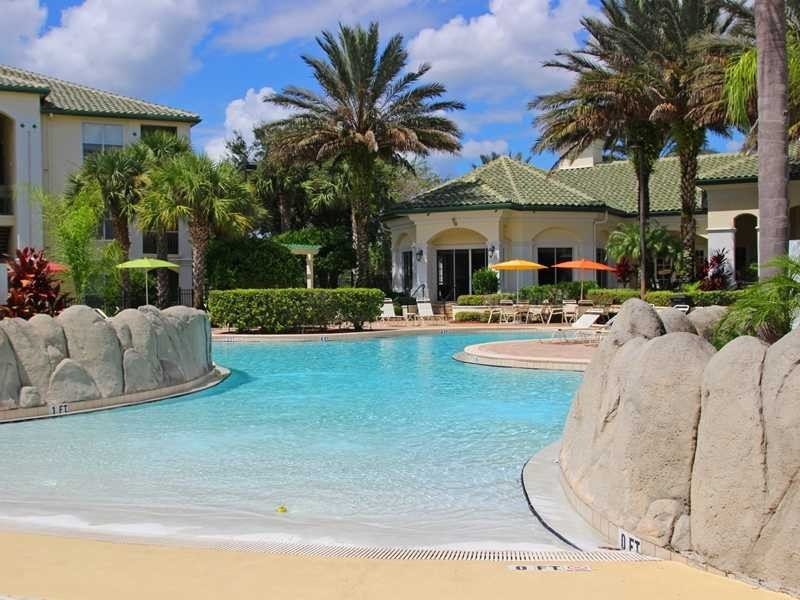Luxury 5 Star 1 Bedroom Gated Condo - 10 Minutes from Disney, holiday rental in Four Corners