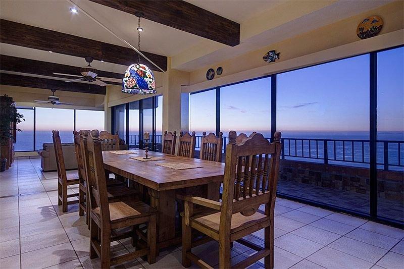 Incredible Double Unit Penthouse Overlooking the Ocean-3100', aluguéis de temporada em Baja California Norte