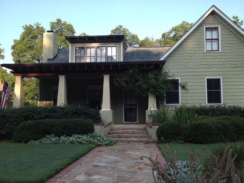 Book 2 nights and get 1 free night.  Beautiful home in downtown Oxford., holiday rental in Oxford