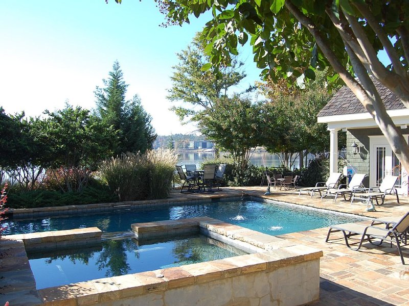 Waterfront Home at Lake Oconee with Pool, Spa, and private dock, vacation rental in Eatonton