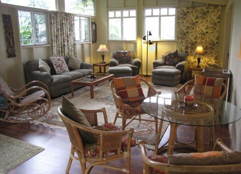 Historical Plantation House in Majestic Wood Valley, vacation rental in Pahala