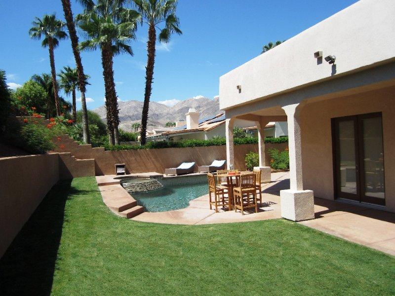 Luxury Home, Saltwater Pool, Near El Paseo, Fully Updated - Excellent WiFi, alquiler de vacaciones en Palm Desert